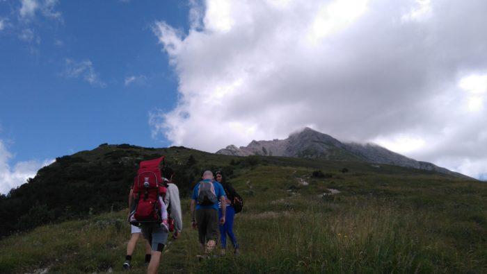 空を身近に感じられるアレラ山登山
