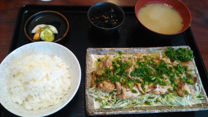 直ちゃんの日向鶏タタキ風定食