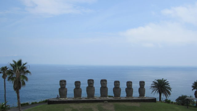 日南のモアイ像